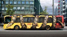 Campanhas criativas merecem um destaque aqui em nosso blog. Não é fácilatrair a atenção eolhares do público,ainda mais quando o local do anúncio é no meio da cidade. Uma sacada interessante que está em alta são as adesivagem criativas feitas em ônibus e outros veículos de transporte público. Aqui