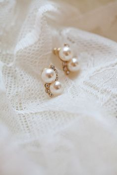 Vintage Pearl & Rhinestone Gold Bridal Earrings-wore these on my big day! Wedding Accessories, Wedding Jewelry, Jewelry Accessories, Pearl Jewelry, Pearl Earrings, Pearl Choker, Vintage Earrings, Gold Necklace, Gold Bridal Earrings