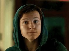 """His face is like """"excuse me bish what? Sterek, Justice League, Parker Spiderman, Tom Holland Imagines, Tom Holand, Tom Holland Peter Parker, Willa Holland, Tommy Boy, Men's Toms"""