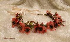 #Floral #crown.   #Coral color. #Brides&#bridesmaids #accessories #ManalSolaiman@WARDYFLORAL