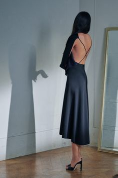 80s Fashion, Fashion Show, Fashion Outfits, London Fashion, Fashion Clothes, High Fashion, Fashion Trends, Vogue Paris, Victoria Beckham News