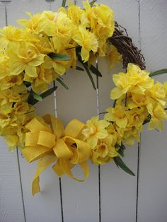 Yellow Daffodil Wreath by donnahubbard on Etsy, $65.00