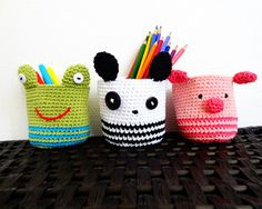"Crochet Toy Patterns Free crochet Pattern: Amigurumi baskets - Panda, Piggy and Frog - When a crocheter hears the word ""frog"" they think ripping out stitches - not fun! Today's roundup features something better - free crochet frog patterns! Crochet Frog, Crochet Round, Cute Crochet, Crochet For Kids, Crochet Cardigan, Crochet Lace, Crochet Panda, Crochet Dinosaur, Crochet Triangle"