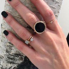 accessorize your life! Dainty Jewelry, Cute Jewelry, Gold Jewelry, Jewelry Rings, Jewelry Box, Jewelry Accessories, Fashion Accessories, Fashion Jewelry, Jewelry Design