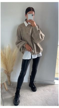 Casual Winter Outfits, Winter Fashion Outfits, Look Fashion, Fall Outfits, Outfit Winter, Outfits With Boots, Long Boots Outfit, Ootd Winter, Dressy Outfits