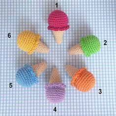 Broche o llavero Helados de ganchillo/ Ice crochet brooch