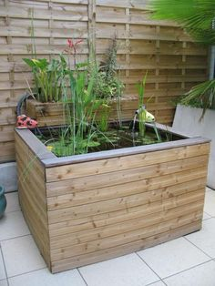 déco jardin récup, bois de coffrage, fontaine