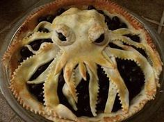 who wants some Cthulhu pie? Bye Bye Cthulhu Pie you made my berries look so scary and I just don't know why Your evil crust makes me want to cry this will be the day that I die… this will be the. Cute Food, Good Food, Yummy Food, Awesome Food, Cthulhu, Bolo Pinata, Octopus Pie, Angry Octopus, Doce Banana