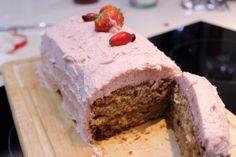 rosehip & strawberry cake