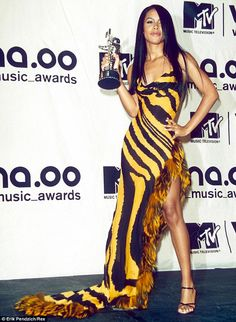 Aaliyah in THAT YELLOW DRESS.