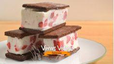 Sándwich vegano de helado de coco y fresa  - Sabrosía