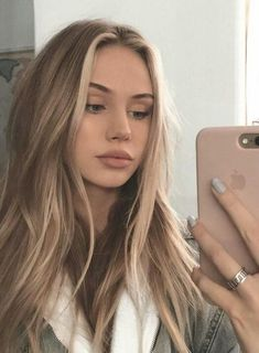 50 fashionable ideas for brown hair with blonde highlights # Blonde Balayage blonde brown fashionable Hair Highlights Ideas Brown Hair With Blonde Highlights, Blonde Hair Looks, Brown Hair Balayage, Ash Blonde, Balayage With Highlights, Bright Blonde, Blond Brown Hair, Highlighted Blonde Hair, Blonde Wig