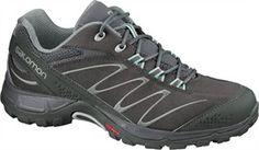 SALOMON hiking footwear will accompany you whatever the season: footwear for long hikes, fitness walking, sandals, warm footwear, and more. Trekking Shoes, Hiking Sandals, Hiking Shoes, The North Face, Lightweight Backpack, En Stock, Trail Shoes, Nike, Outdoor Gear