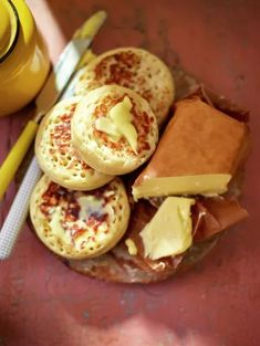 Home made crumpets by Jamie Oliver are the perfect way to improve your Monday mo paleo diet Homemade Crumpets, Easy Crumpets Recipe, Homemade Butter, English Food, Crepes, Afternoon Tea, Cookies, Breakfast Recipes, Pancake
