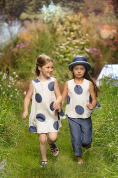 Embroidered giant polka dots at Il Gufo Italian kids fashion for summer 2016