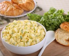As much as I love egg salad sandwiches, I do choose to eat healthier fare more often than not. So I make a different egg salad, featuring two of my favorites: chickpeas and avocado. Best Egg Recipes, Top Recipes, Salad Recipes, Dinner Recipes, Cooking Recipes, Healthy Recipes, Easter Recipes, Delicious Recipes, Egg Dish