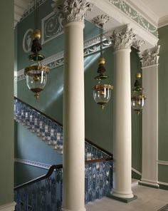 Main Staircase - Osterly House - Middlesex Robert Adam This England: Spirit of England - The Arts - Architecture Gallery Georgian Interiors, Georgian Homes, English Architecture, Art And Architecture, Wayne Manor, Grand Staircase, Staircase Landing, House Staircase, Classic Interior