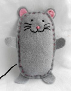 felt mouse by bearpawandbearpaw, via Flickr, copy for matchbox