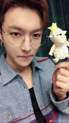 really like sheep /OMG/ but ur the cutest sheep Chanyeol, Tao Exo, Kyungsoo, Yixing Exo, Cute Sheep, Exo Korean, Exo Ot12, Exo Members, Record Producer