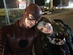 Grant Gustin & Danielle Panabaker - Barry Allen & Caitlin Snow - The Flash Series Dc, Flash Tv Series, The Cw Shows, Dc Tv Shows, Berry Allen, Barry And Caitlin, Kdrama, Dc Comics, Flash Barry Allen