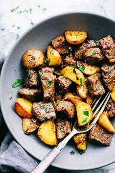 Garlic Butter Herb Steak Bites with Potatoes – The Recipe Critic