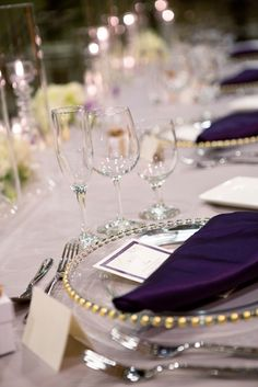 Lovely place setting for wedding at the DoubleTree by Hilton Sonoma Wine Country. Photo credit to Mariah Smith Photography.