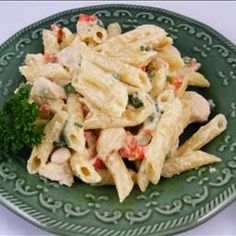 Penne with chicken and red peppers