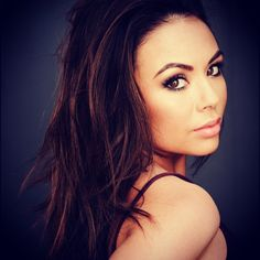 Janel's tousled hair is gorgeous. | Pretty Little Liars