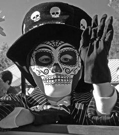 Dia de los Muertos in Albuquerque | the Muertos y Marigold Parade in the South Valley