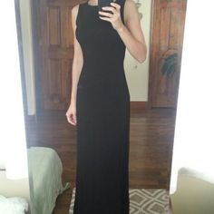 Elegant black evening dress Beautiful laced back. Great fitting material. Dresses Maxi