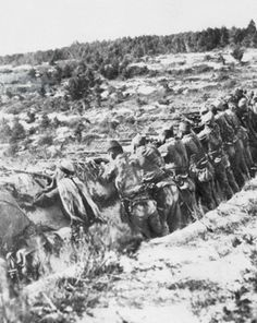 Ottoman Infantry in its first temporary defensive position following Allied landings on the Dardanelles; Gallipoli Campaign (1915-16) Turkic Languages, Semitic Languages, Gallipoli Campaign, Turkish Soldiers, Dna Genealogy, Blue Green Eyes, Lest We Forget, Ottoman Empire, World War I