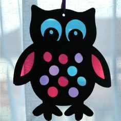 Stained glass style owl sun catcher craft for kids. A craft kids will love hanging in a window to admire. Owl Crafts, Animal Crafts, Crafts For Kids, Arts And Crafts, Paper Crafts, Craft Kids, Owl Classroom, Stained Glass Crafts, Craft Club