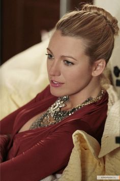 "Blake Lively as Serena van der Woodsen ""Rhodes to Perdition"""