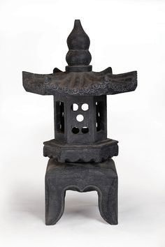 Hokkaido Lantern | Made from CompoClay, an eco-friendly material primarily made up of minerals, sea salt, sand and water.