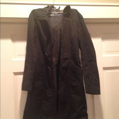 Jacket H&M form fitting long jacket in black. Size 4. Great detail, true to size. Great spring coat as it is not warm enough for winter. H&M Jackets & Coats