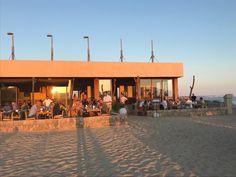 Die schönsten Restaurants mit Meerblick auf Mallorca - COOKIES FOR MY SOUL Bungalow, Strand, Restaurants, Places, Outdoor Decor, Travel, Home Decor, Environment, Spain