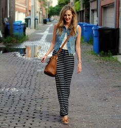 Fall: Striped maxi, denim vest, and cross body bag Looks Style, Style Me, Classic Style, Look Fashion, Womens Fashion, Petite Fashion, Asian Fashion, Fashion Tips, Casual Outfits