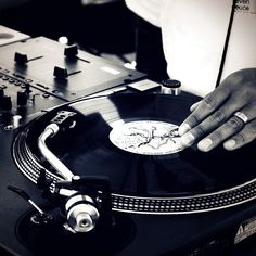 He cuts the music with so much class   #dj #turntables #turntablism #hiphop #mix #scratch #mixing #instagood #music #artists #instalike #instadaily #instafollow #bestoftheday by jtvdigital http://ift.tt/1HNGVsC