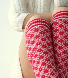 Knit leg warmers in red and white made of wool in traditional nordic ornament Fair Isle Knitting, Knitting Socks, Bird Set Free, Knit Leg Warmers, Fair Isle Pattern, Crochet Yarn, Knitwear, Red And White, Fashion Accessories