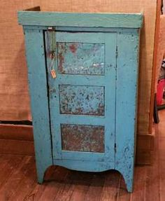Rooster Run Antique Furniture in Original Surface and Early Paint