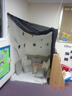 Corner Reading Nooks, Cosy Corner, Toddler Classroom, New Classroom, Classroom Ideas, Learning Spaces, Learning Environments, Creative Activities, Preschool Activities