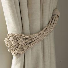 Laura Ashley España y Portugal. Alzapaños con diseño de nudo cordado lino