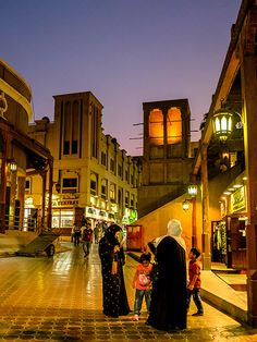 Dubai Old Town, historic Souk, Burj Dubai, Dubai Creek | by cityguidelounge