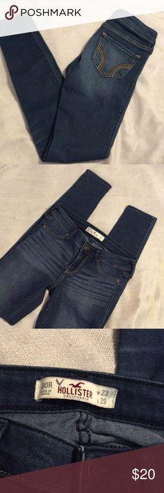 "Dark Wash Hollister skinny jeans/jeggings Dark wash jeggings sz 00R- W-23 L-29.  Hardly worn ,  inseam 29"", waist 13"" , rise 7"". No front pockets, just back ones.. Cotton/polyester/viscose/elastane mix. Smoke free home. Hollister Jeans Skinny"
