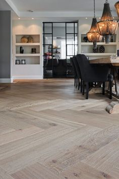 Nobel Flooring - Groot formaat visgraatmotief met traditionele bies - Hoog ■ E. Küchen Design, House Design, Interior Design, Interior Doors, Home Living Room, Living Room Decor, Dining Room, Kitchen Dining, Bedroom Decor