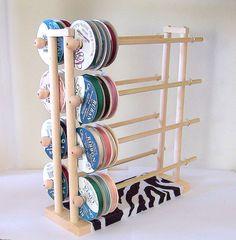 great idea! Ribbon Organization, Ribbon Storage, Sewing Room Organization, Craft Room Storage, Craft Rooms, Storage Ideas, Space Crafts, Home Crafts, Arts And Crafts