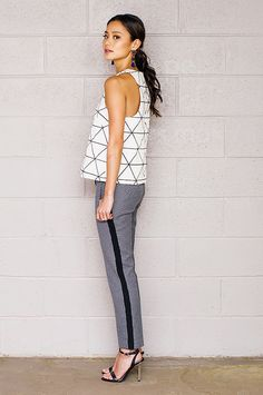 #StyleTip: Pair a boxy shirt with slim pants for a super flattering look. // #JamieChung --->>>Cute pant