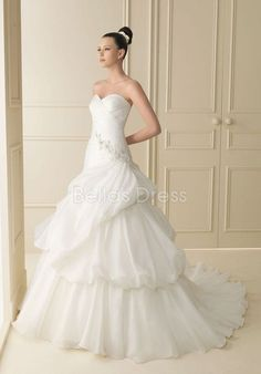 Splendid Ball Gown Floor Length Sweetheart Natural Waist Chapel Train Bridal Gown