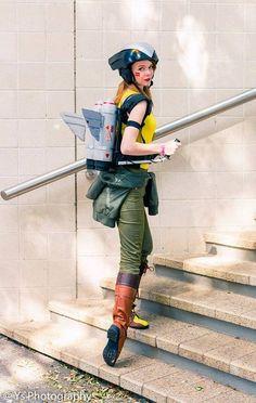Echo Kane as Hawkgirl (Bombshell  versión)