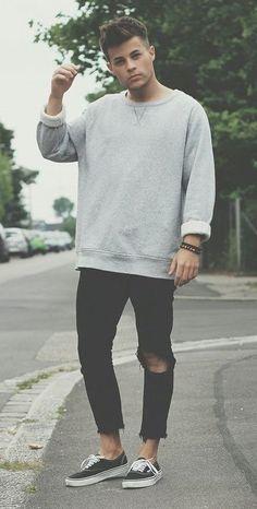a6de4f6c51 19 Stunning Ways to Style Your Sweatshirts